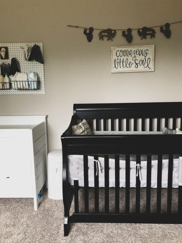 covensroom-crib-wildlygrey